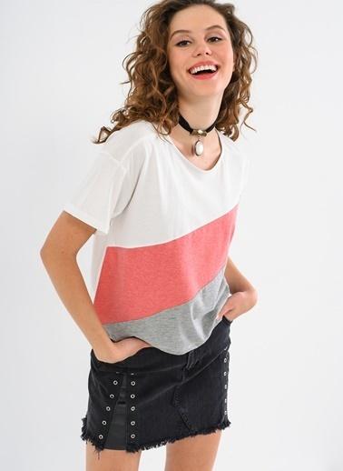 Çapraz Çizgili Tişört-Ola